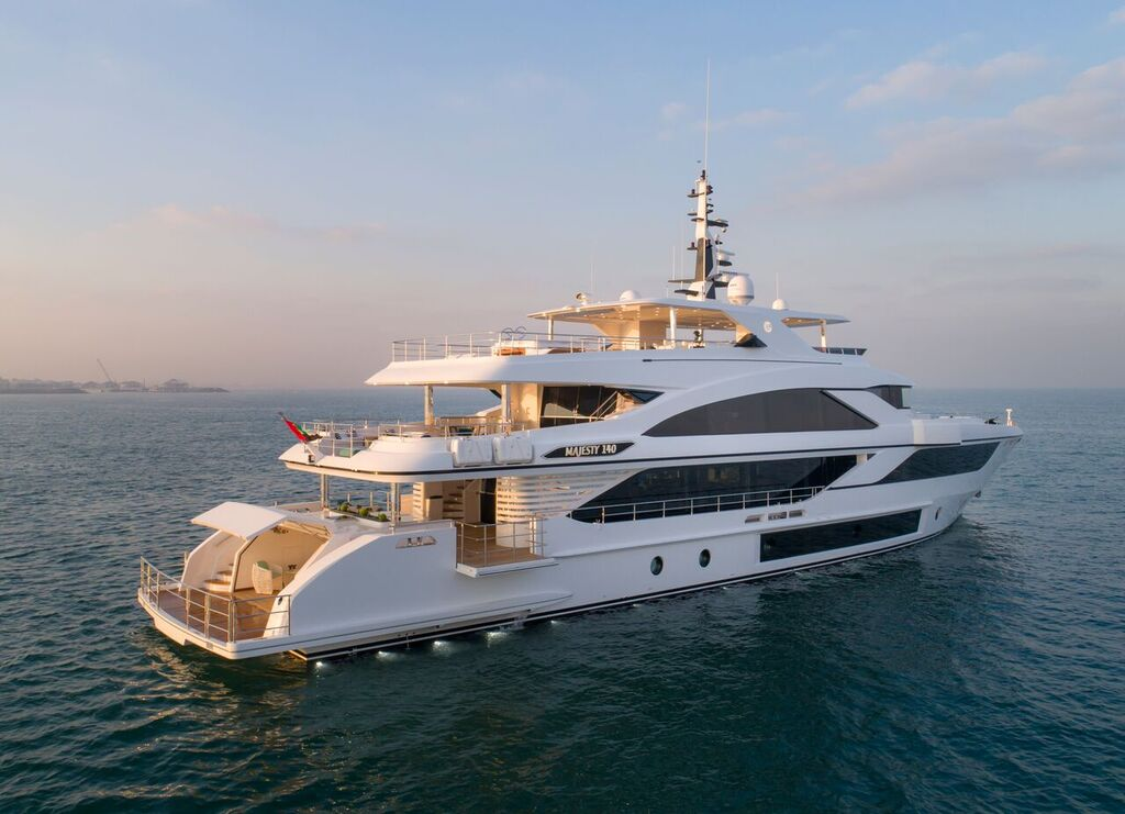 majesty 140 yacht