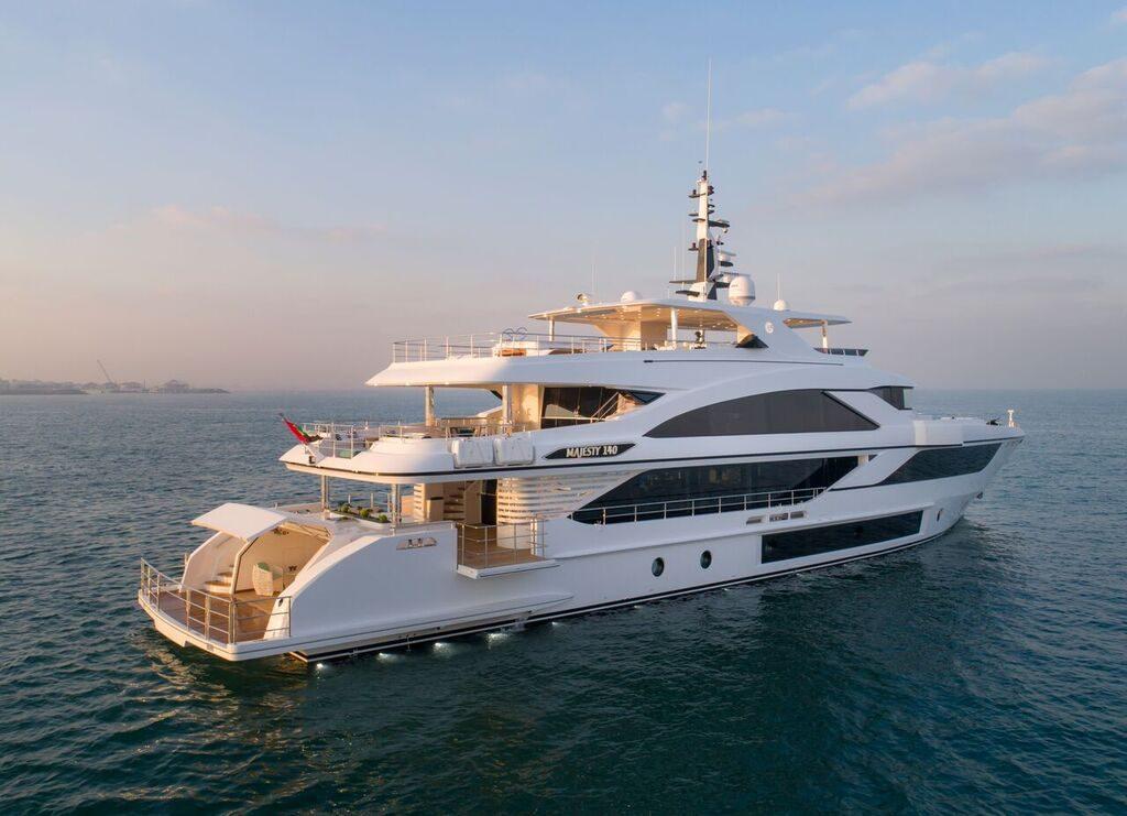 majesty 140 yacht