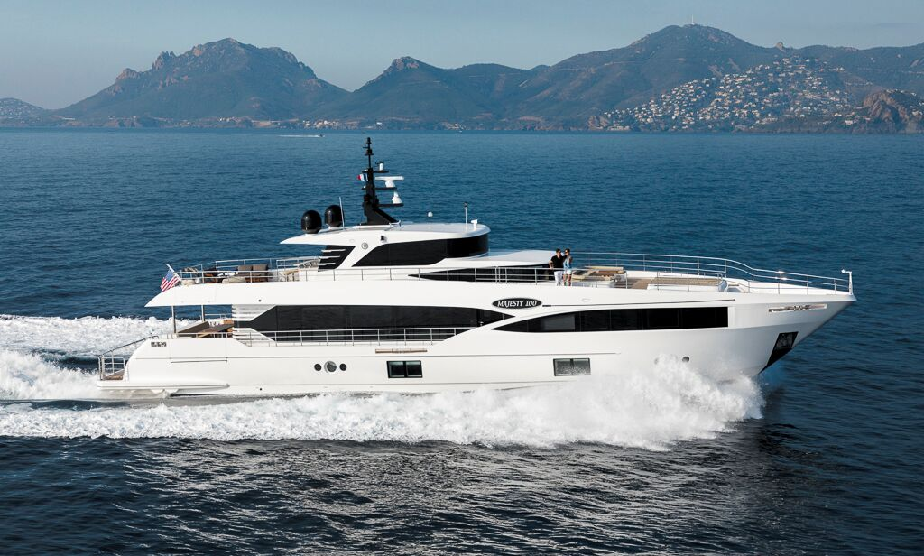 majesty-100 yacht