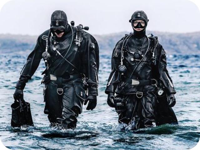Dry Suit Diver naui kuwat
